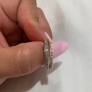 Two tone, double row diamond band